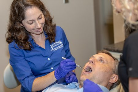Dr Felts treating a patient Dr Felts Chattanooga TN